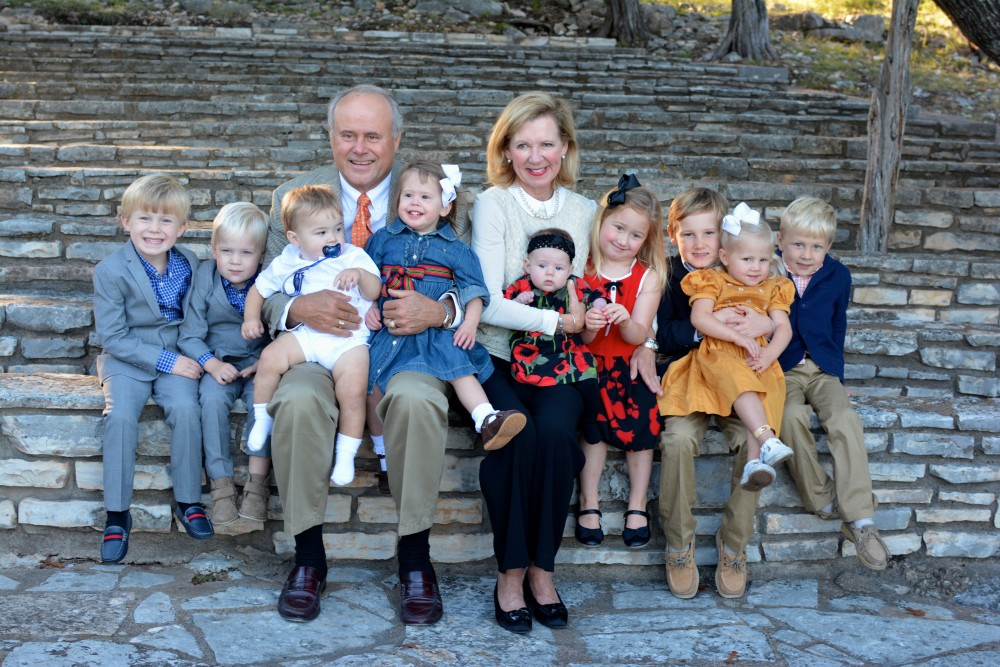 Dick and Tweety with nine of their grandchildren.